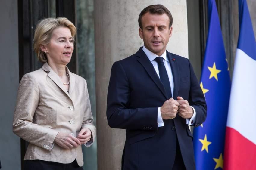 مكرون مع رئيسة المفوضية الاوروبية (إي بي أيه)