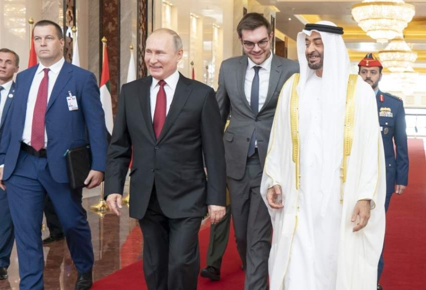 محمد بن زايد يستقبل فلاديمير بوتين