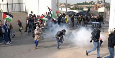 جانب من الاشتباكات مع الاحتلال في ترمسعيا  (المركز الفلسطيني للإعلام)