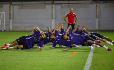 من تدريبات منتخب الشباب تحت 19 عاماً في دبي. (الرؤية)