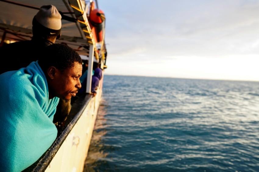مهاجرون على قارب إنقاذ في البحر المتوسط. (أرشيفية ـ رويترز)