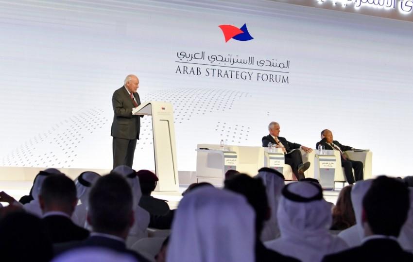 ديك تشيني يتحدث خلال المنتدى الاستراتيجي العربي (وام)