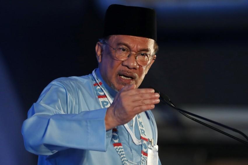 المرشح لرئاسة وزراء ماليزيا أنور إبراهيم في ملاكا. (رويترز)