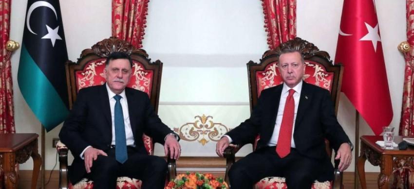 الرئيس التركي أردوغان يلتقي فايز السراج في اسطنبول (أرشيفية)