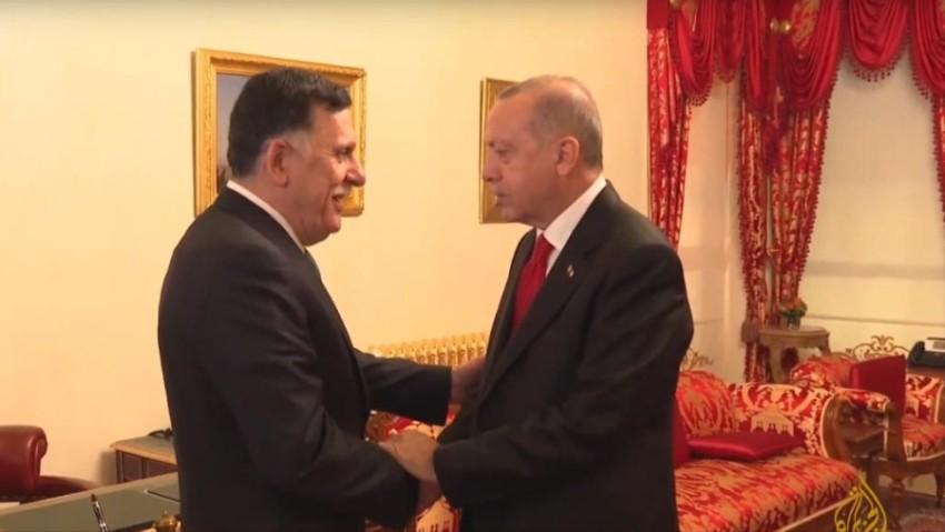 الرئيس التركي أردوغان يلتقي فايز السراج في إسطنبول. (أرشيفية)