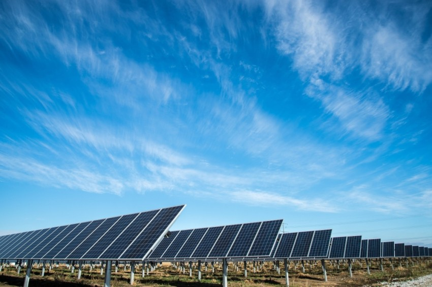 المركز يوفر لزواره معلومات حول محطة شمس والطاقة المتجددة والتنمية المستدامة. (الرؤية)