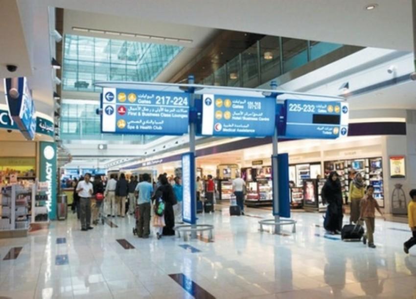 شرطة دبي بصدد إتاحة خدمة الشحن السريع للمعثورات لجميع المسافرين. (الرؤية)