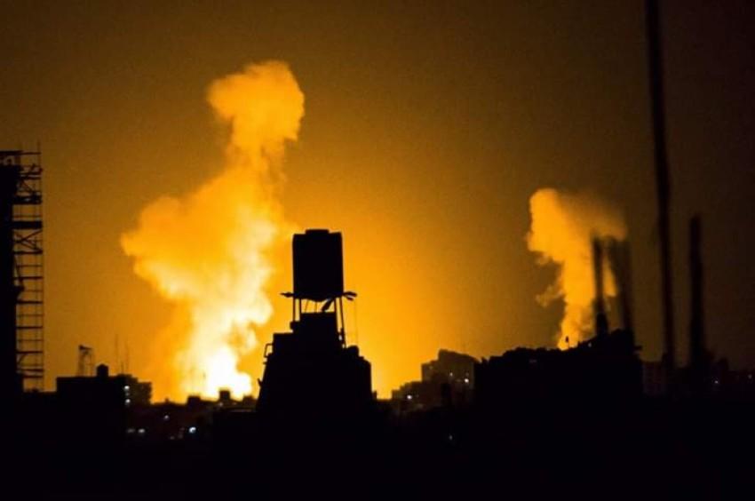 قصف إسرائيلي على موقع بغزة. (أرشيفية)