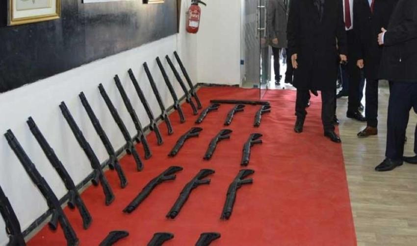 جانب من الأسلحة التركية المضبوطة في تونس.