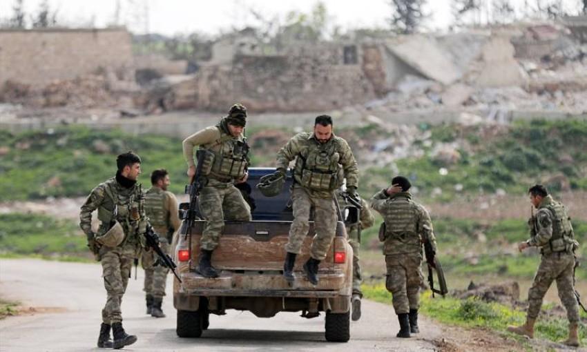 عناصر من الجيش السوري الحر في عفرين (أرشيفية)