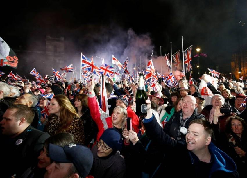 الشعب البريطاني يحتفل بخروج بلاده من الاتحاد الأوروبي