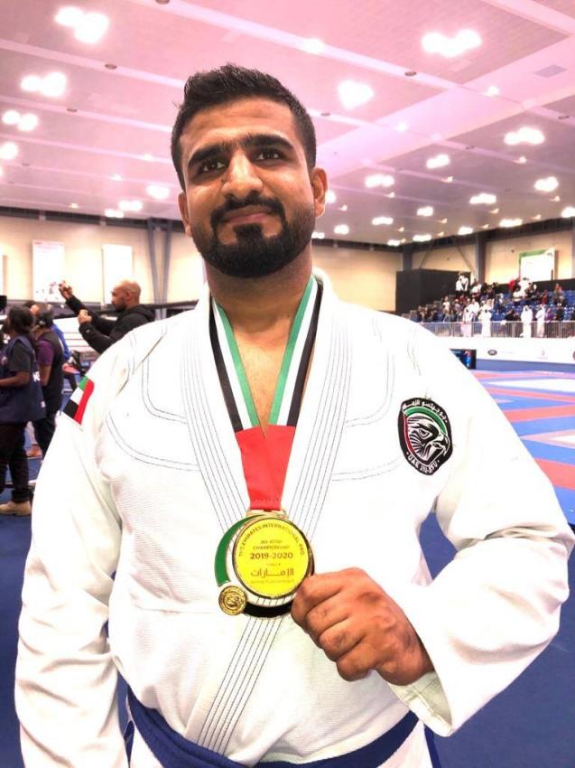 محمد أحمد المازمي بطل الجوجيتسو وزن 120 ذهبية الحزام الأزرق