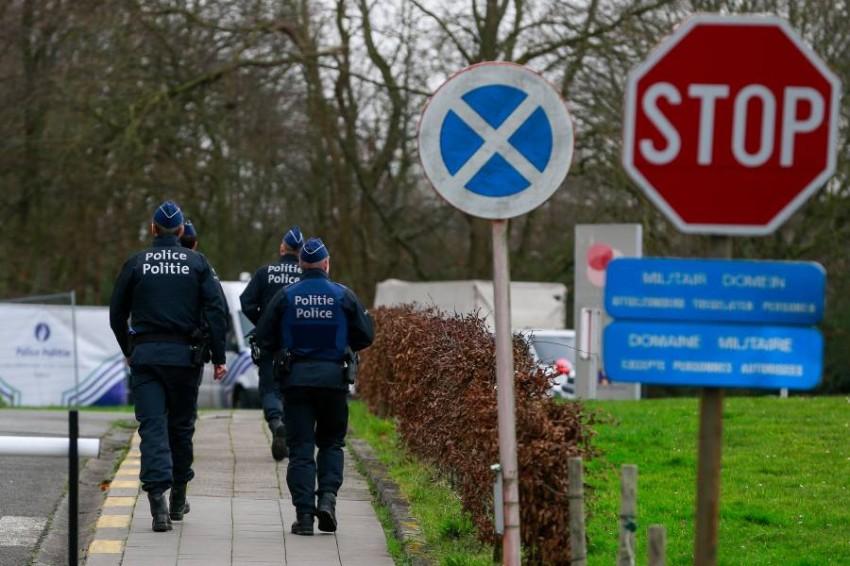 أفراد من الشرطة في بلجيكا. (إي بي أيه)