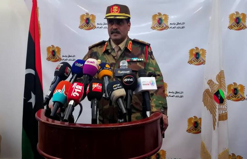 اللواء أحمد المسماري في بنغازي. (رويترز)
