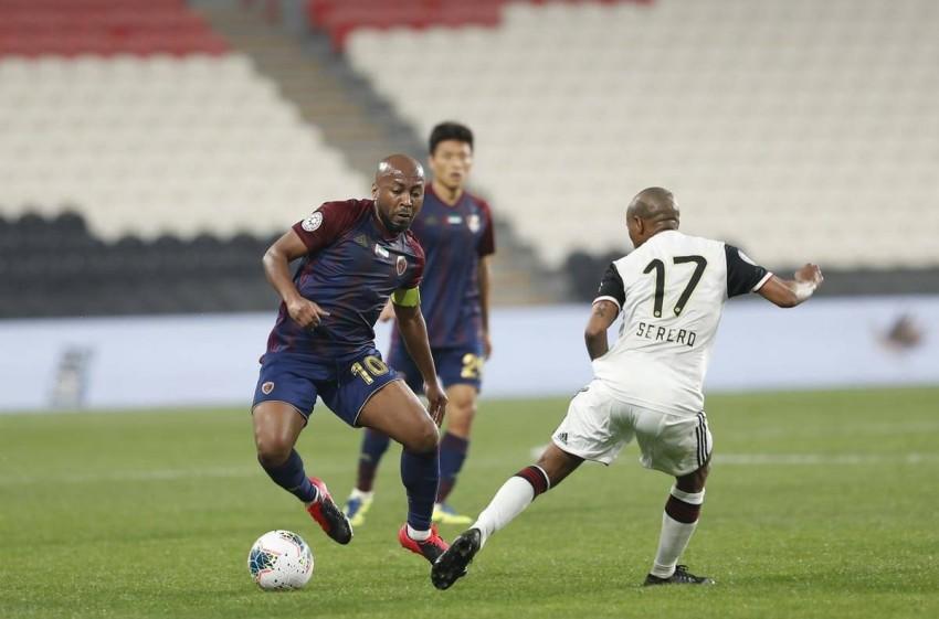 لاعب الوحدة إسماعيل مطر