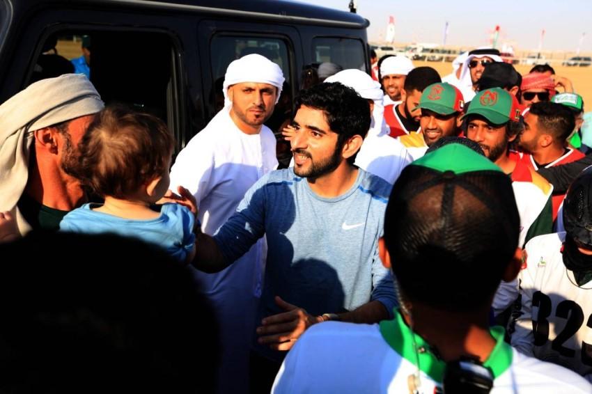 حمدان بن محمد بن راشد خلال حضوره سباق كأس صاحب السمو رئيس الدولة للقدرة. (الرؤية)