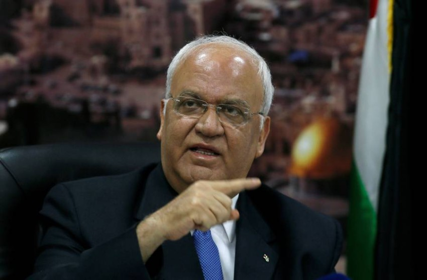 أمين سر اللجنة التنفيذية لمنظمة التحرير الفلسطينية صائب عريقات في رام الله. (رويترز)