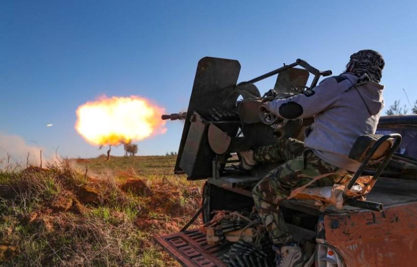 أحد مقاتلي الفصائل المسلحة في سوريا. (أ ف ب)