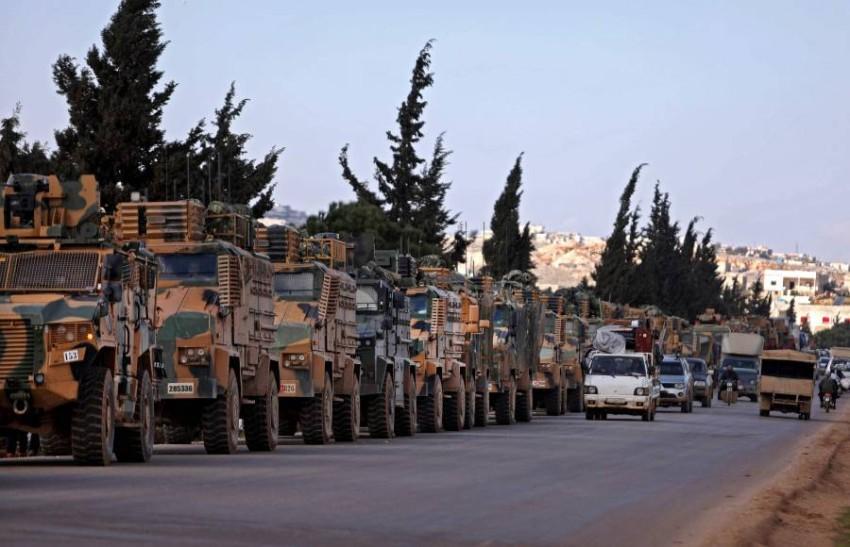 رتل عسكري تركي في إدلب داخل الاراضي السورية (أ ف ب)