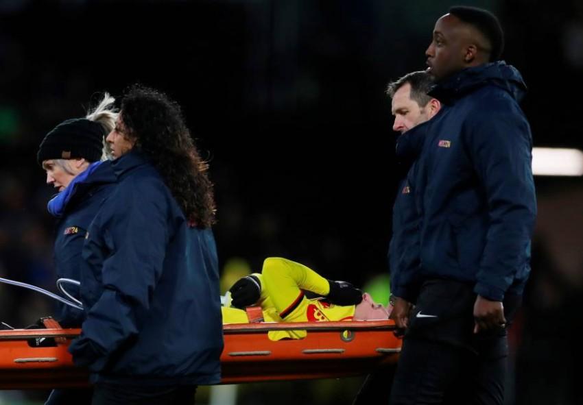 دولوفو خرج مصاباً أمام ليفربول. (رويترز)