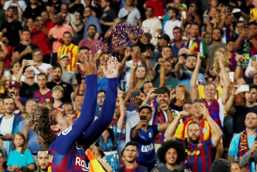 برشلونة يستنجد بكامب نو في مبارياته الأربع المقبلة