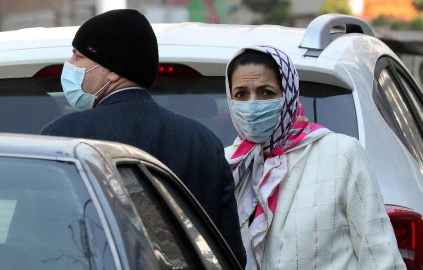مشهد ارتداء الكمامة الواقية في كل أرجاء العاصمة طهران. (أي بي أيه)