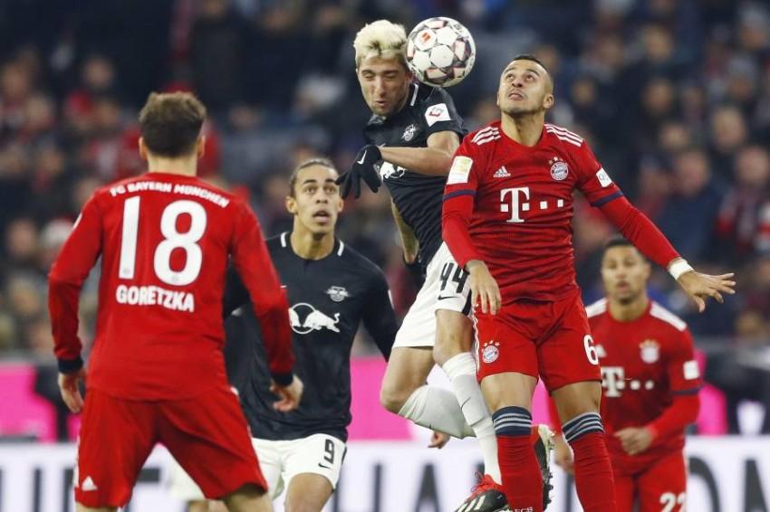 بايرن ميونيخ يتصدر الدوري الألماني حالياً. (أ ف ب)