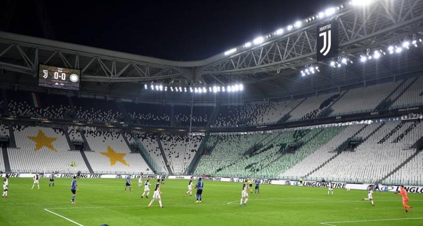 لقطة من مباراة يوفنتوس وإنتر ميلان الأخيرة. (إ ب أ)
