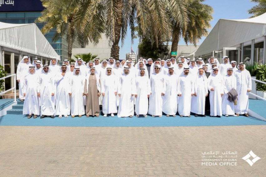 حمدان بن محمد يطلع على إنجازات بنك الإمارات دبي الوطني
