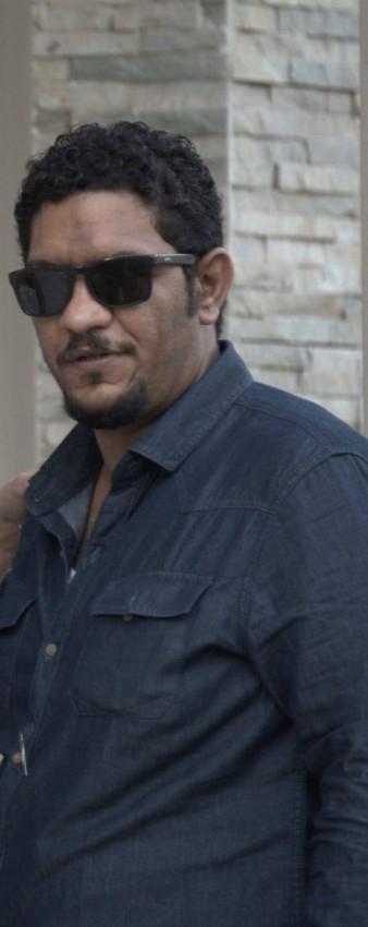 المؤلف حسين المهدي