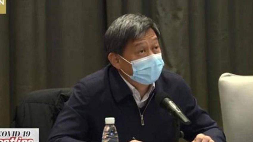 الطبيب ليو تشينغ تشيوان أعطى وصفات طبية للمرضى وفقا لأحوالهم المختلفة، مع شرح فعالية الأدوية الرئيسية في البرنامج.