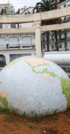 «كورونا».. تهديد للأمن والسلم الدوليين. (رويترز)