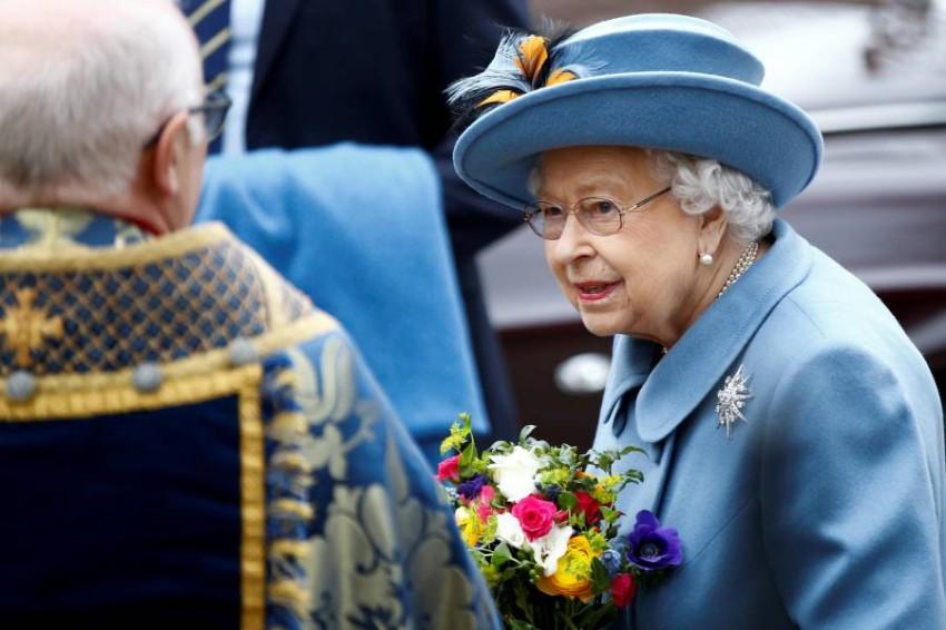 الملكة إليزابيث توجه خطابا نادرا للبريطانيين اليوم. (رويترز)