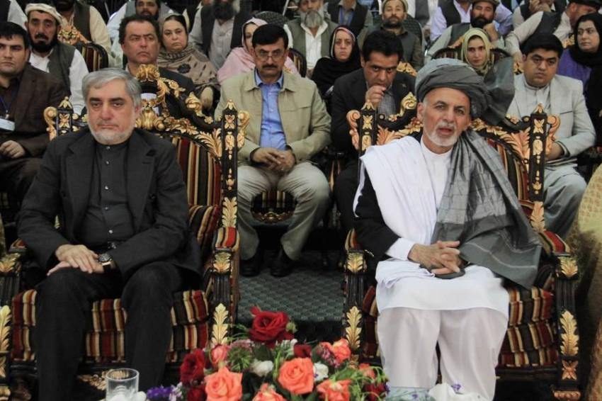 «رئيسا» أفغانستان المتنازعان منذ الانتخابات على الحكم. (إي بي أيه)
