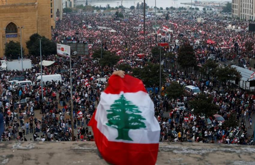 احتجاجات مناهضة للحكومة في لبنان. (رويترز)