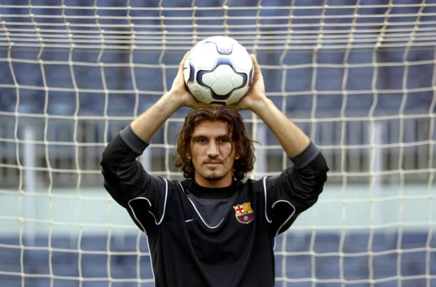 روشتو رتشبر الحارس السابق للمنتخب التركي لكرة القدم ونادي برشلونة الإسباني. (رويترز)