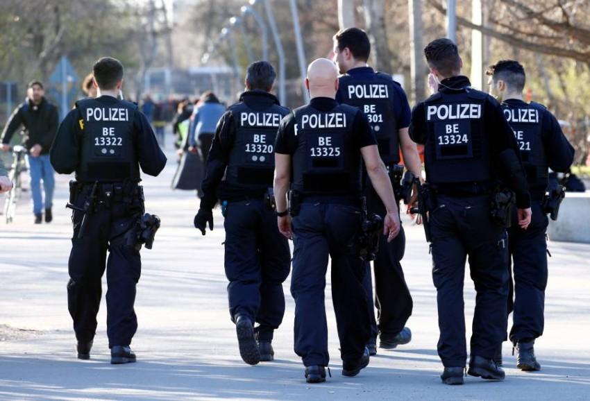 أفراد بالشرطة الألمانية في برلين. (رويترز)