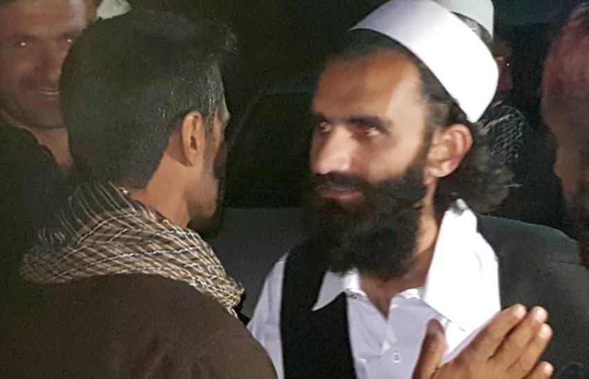 سجين من طالبان مخلى سبيله في كابول. (رويترز)