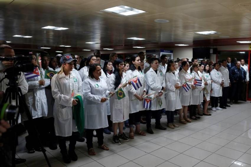 أطباء يجبون العالم للتضامن والمساعدة - رويترز
