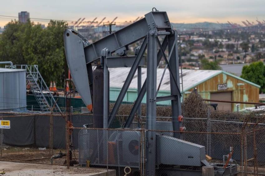 انهيار النفط التاريخي في أمريكا.. القصة الكاملة في نقاط ...