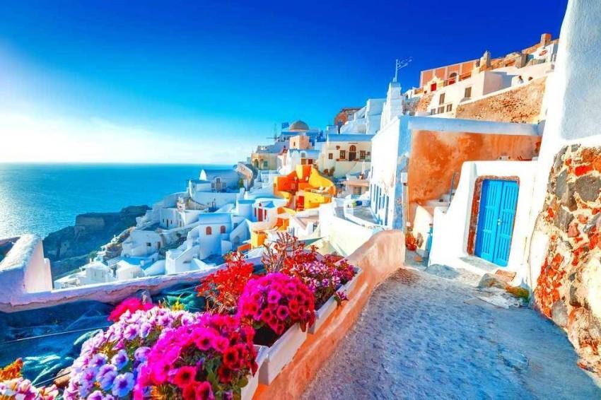 اليونان تفتح أبوابها للسياح من 29 دولة - أخبار صحيفة الرؤية