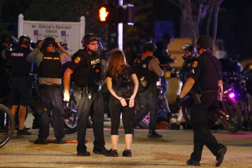 الشرطة الأمريكية تعتقل آلاف المحتجين. (أ ب)
