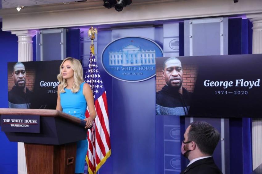 البيت الأبيض يؤكد أن وزير الدفاع إسبر لا يزال في منصبه. (رويترز)