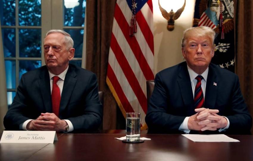 ترامب ووزير الدفاع السابق. (رويترز - أرشيفي)