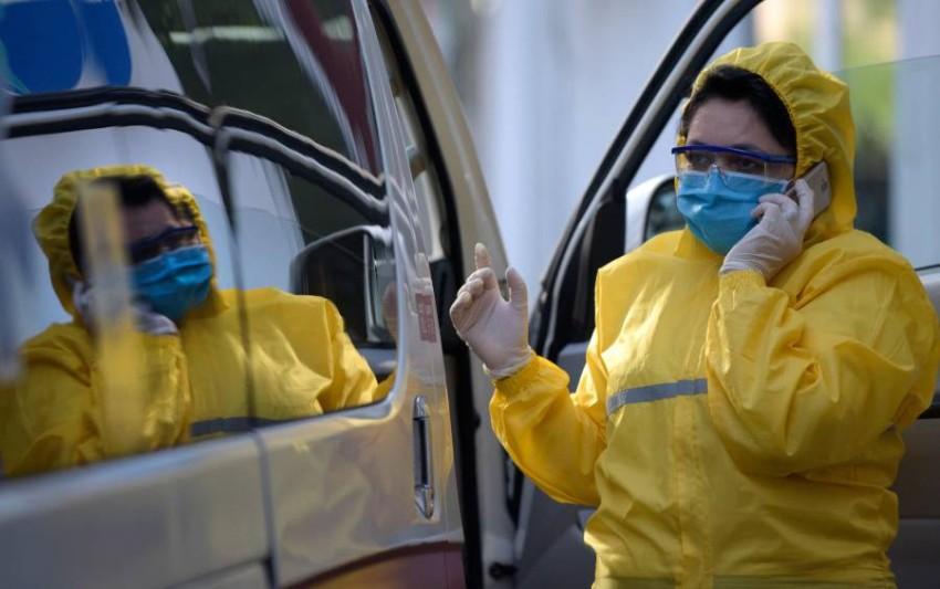 اكتظاظ المستشفيات في أرمينيا وسط تفاقم وباء كورونا. (أ ف ب)