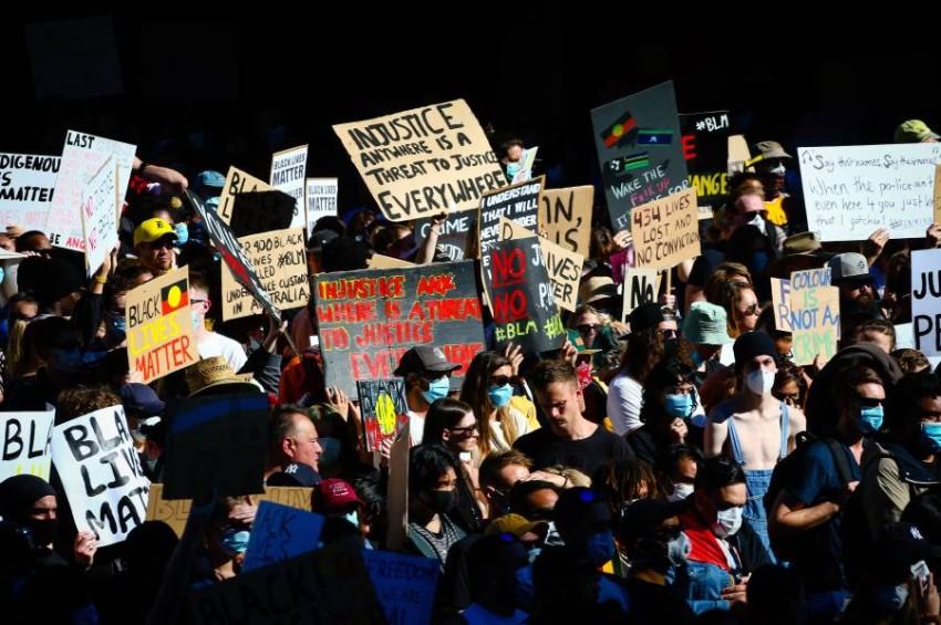 مظاهرات تضامن مماثلة في أستراليا. (أ ف ب )