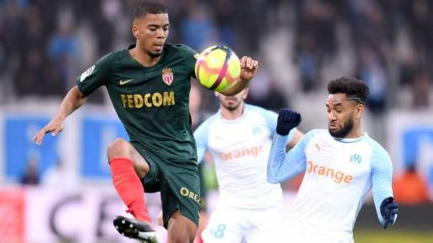 بنيامين هنريشس متحكماً بكرة في مباراة فريقه موناكو ومرسيليا في مارس الماضي.