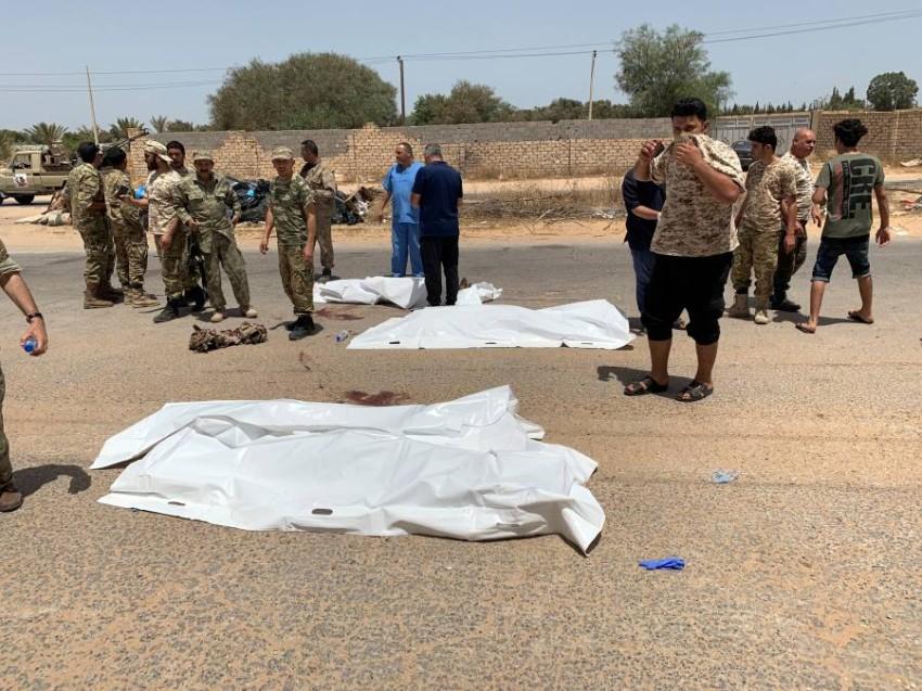 جرائم نهب وانتقام نفذتها ميليشيات السراج في غرب ليبيا.(رويترز)