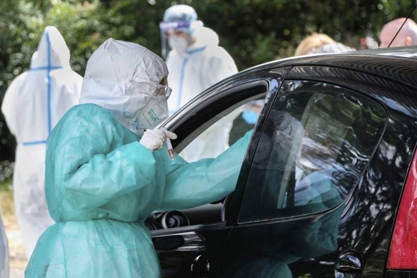 إيطاليا تسجل وفيات وإصابات جديدة بكورونا. (أ ب)