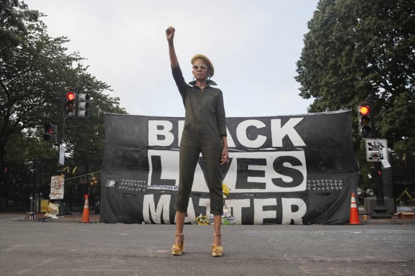 هل تقضي الاحتجاجات الأمريكية على عقود من العنصرية؟ (أ ب)
